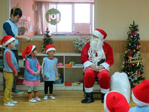 サンタさんが幼稚園にやってきた! 写真 その3
