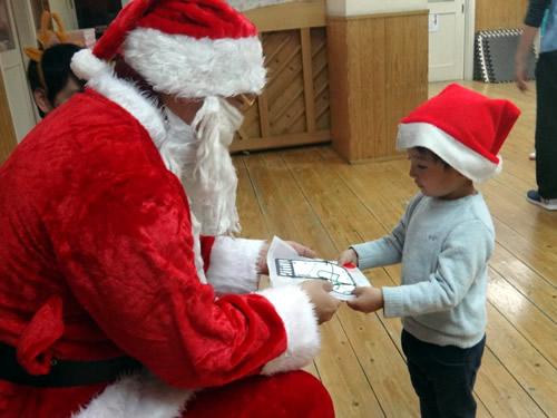 サンタさんが幼稚園にやってきた! 写真 その4
