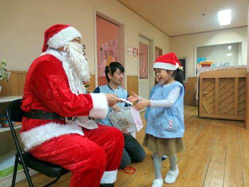 サンタさんが幼稚園にやってきた! 写真 その5