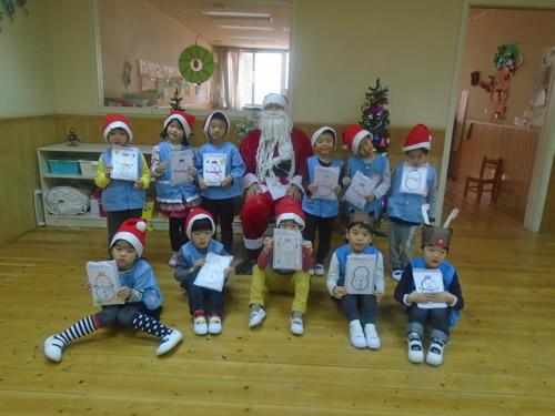 サンタさんが幼稚園にやってきた! 写真 その8